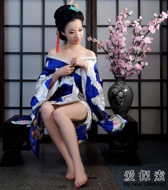 揭开中国古代少女内衣里的秘密(4)图片