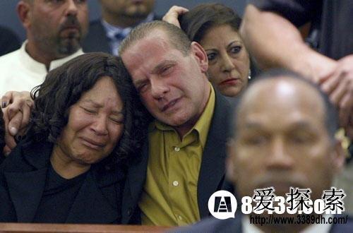 美国犯罪故事:辛普森杀妻案20年后凶器重现(2)